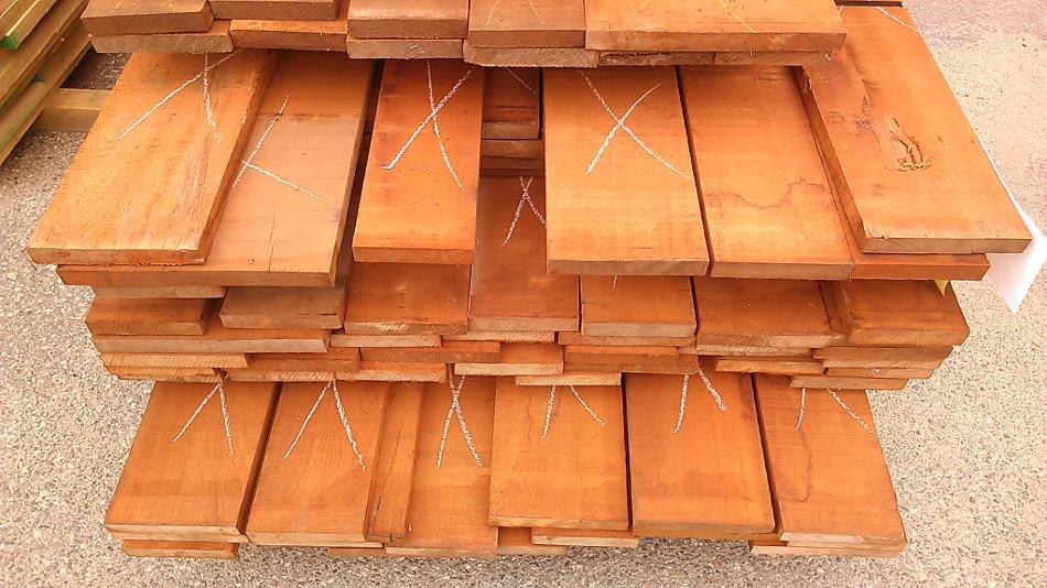 Sapele width sorted to rip flooring blanks