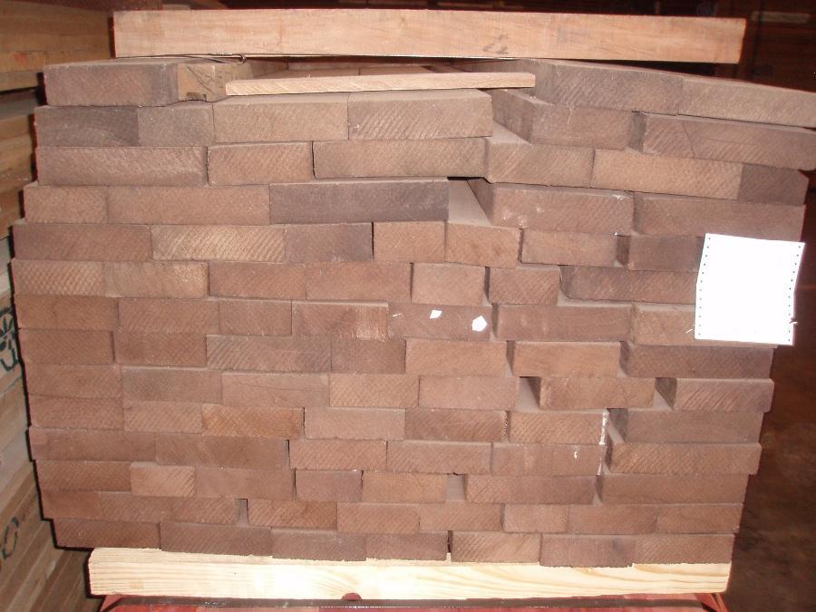 Wenge lumber end grain