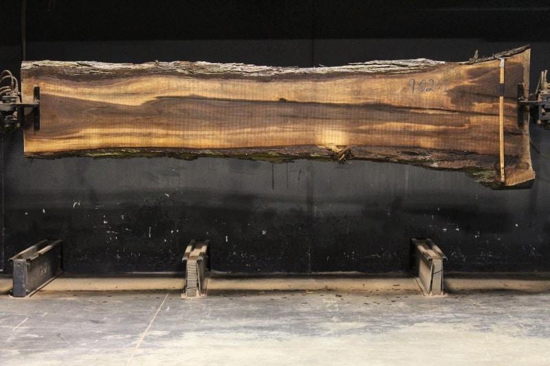 slab 902-1 rough size 2.5″ x 18-28″ avg. 19″ x 12′