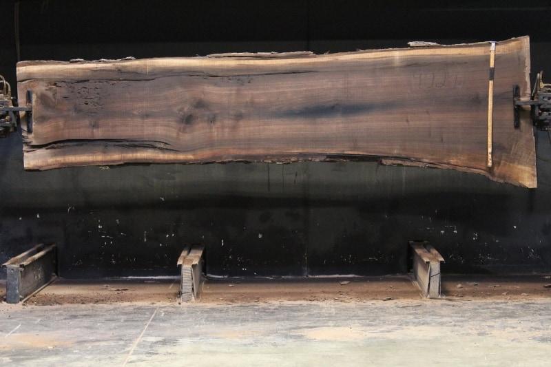 slab 902-6 rough size 2.5″ x 27-39″ avg. 29″ x 12′