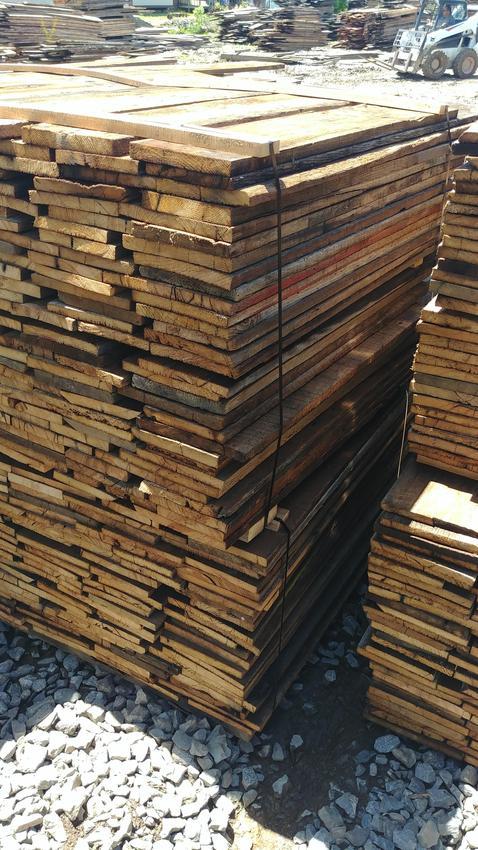 reclaimed chestnut lumber