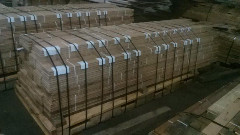 reclaimed lumber packs palletized for LTL shipment